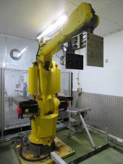 Used Fanuc type System R-J2 Robot S-420i