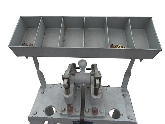 Bechik 700 Manual Grommet Machine