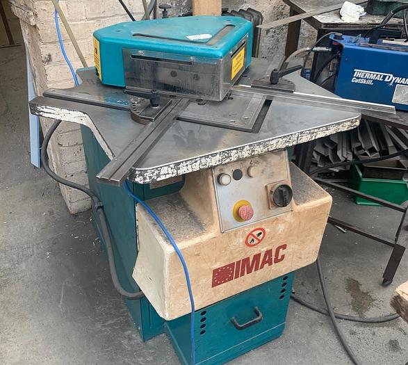 Used IMAC 3m x 200mm Hydraulic Corner notcher