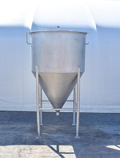 Used USED 1250 GALLON TANK, STAINLESS STEEL