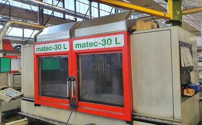 Gebraucht 1998 Matec 30L Vertikales Bearbeitungszentrum für 4 Achsen