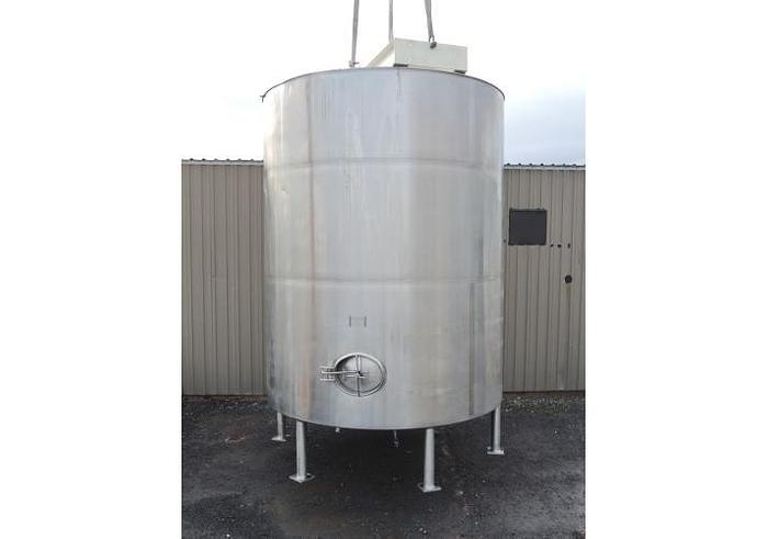 Used USED 6340 GALLON JACKETED TANK, STAINLESS STEEL, SANITARY, WITH 15 HP MIXER