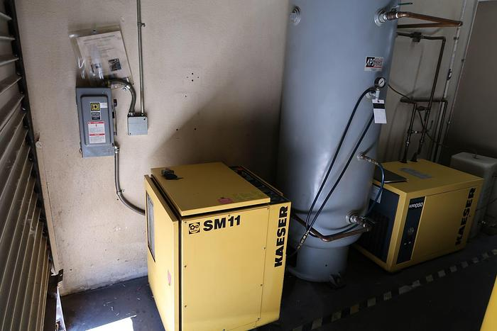 Used 1998 KAESER SM11 10HP ROTARY AIR COMPRESSOR , DRYER AND AIR TANK [5627]