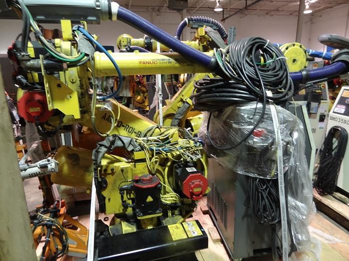 FANUC R2000iB/185L 6 AXIS CNC ROBOT WITH R30iA CONTROLLER 185 KG X 3060 MM H-REACH