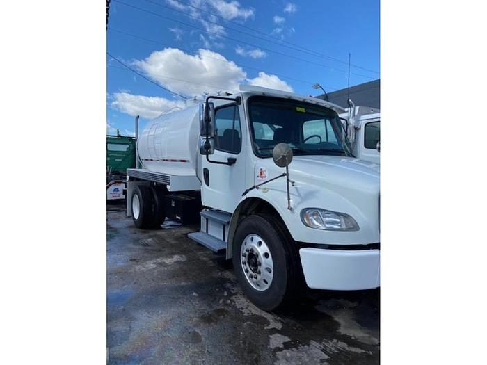 2011 FREIGHTLINER M2 SEPTIC TRUCK UNDER CDL