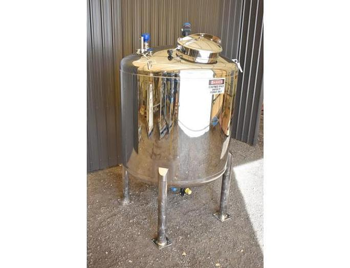 USED 700 GALLON TANK, STAINLESS STEEL