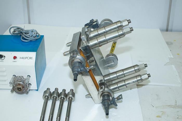 Usata Filtro MILLIPORE con pompa peristaltica
