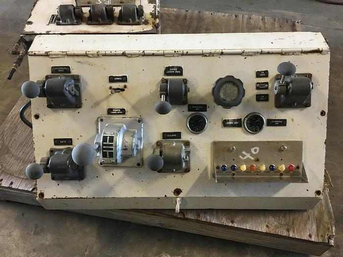 Used USED WORKOVER RIG CONTROL PANEL MAIN DRUM CLUTCH CONTROL, TONGS CONTROL, BRAKE CONTROL, LIGHT PANEL.