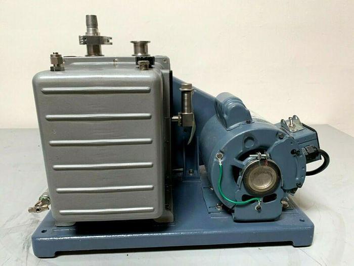 Used Welch 1402N-01 DuoSeal Rotary Vane Vacuum Pump