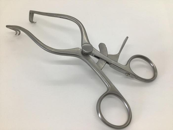 Retractor Self Retaining Plester 2 by 2 Blades Sharp by 165mm
