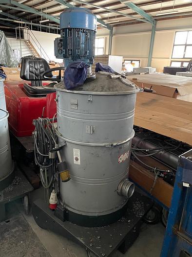 Gebraucht Industriesauger NILFISK GB 1033