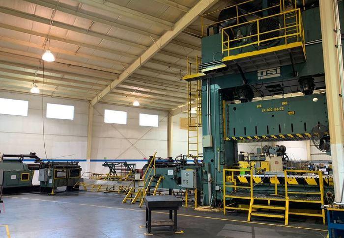 "800 ton USI Clearing 156""x72"" SSDC Press"