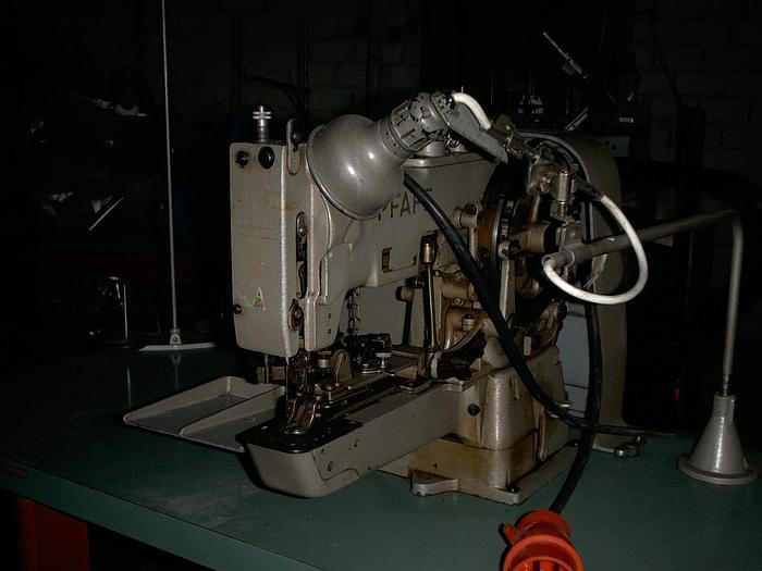 Gebraucht Knopfannähmaschine PFAFF  3306
