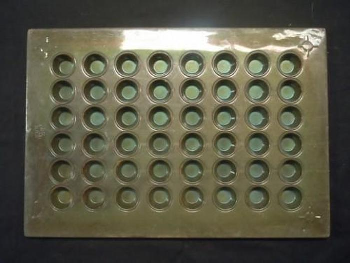 MINI MUFFIN PANS 48 COUNT 2000016