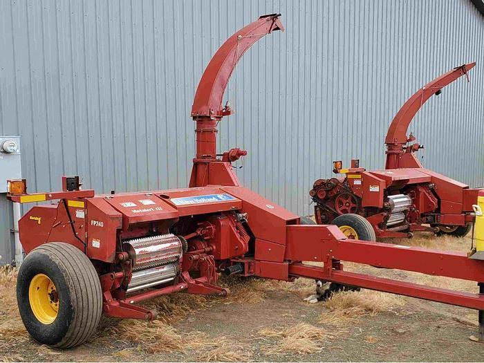 Used New Holland FP240 Forage Harvester w/ Pickup Header