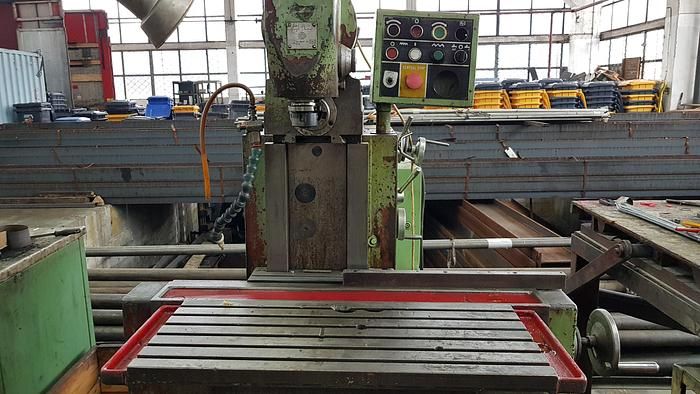 Used Universal milling machine TOS FN32