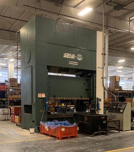 "Used 550 ton SEYI 122""x61"" SSDC Stamping Press"