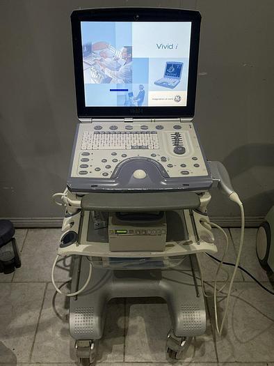 Gebraucht GE Vivid i Ultraschallgerät mit 2x Sonden Software Version 2.1.16 auf GE Vivid i Trolley