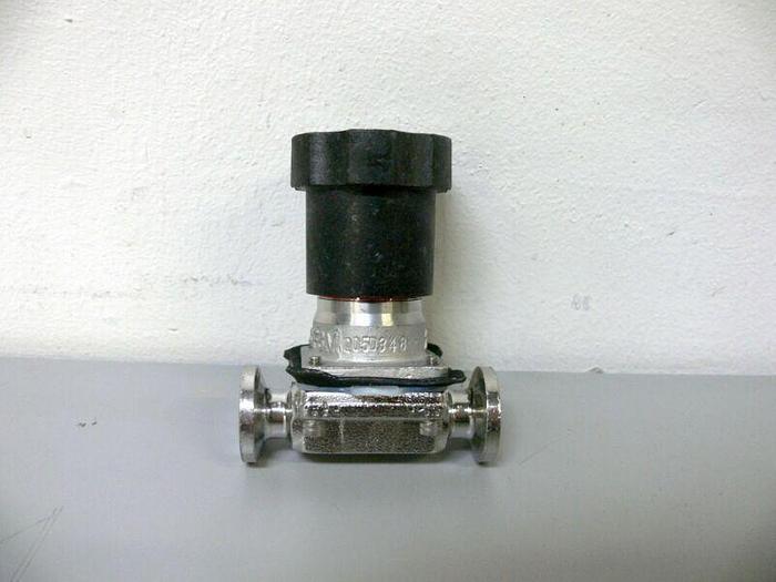 "Used ITT Pure-Flo .5-316L-RA11XMAX-CWP150 Diaphragm Valve w/ 1/2"" Sanitary Fitting"