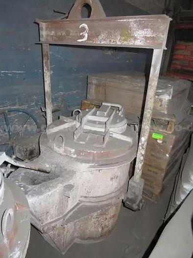 Used MODERN POURING LADLE