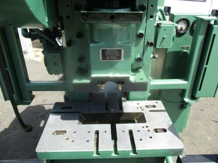 MINSTER MODEL B1-22 0 - 1000 SPM HIGH SPEED GAP FRAME PUNCH PRESS WITH CURTAINS