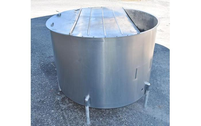 USED 1100 GALLON, STAINLESS STEEL