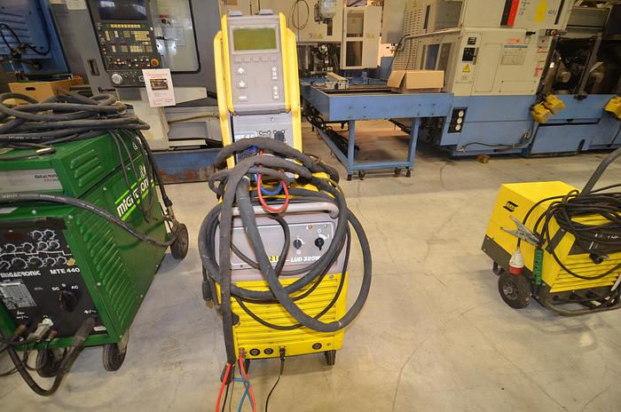 D50 - WELDING MACHINE - ESAB LUD 220W