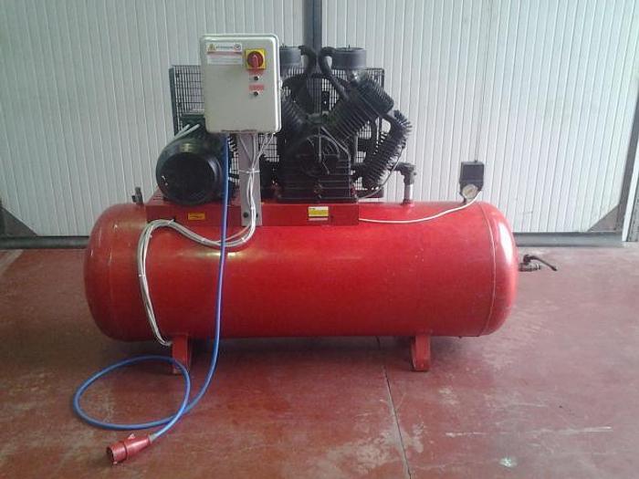 Usata Compressore a Pistoni SHAMAL 500L