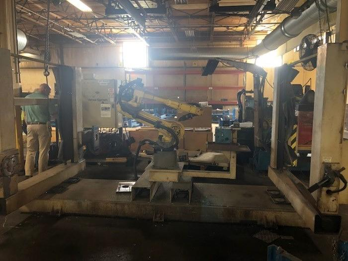 2008 FANUC ARCMATE 120IC/10L GENESIS VERSA 2G DUAL TRUNNION MIG WELDING CELL