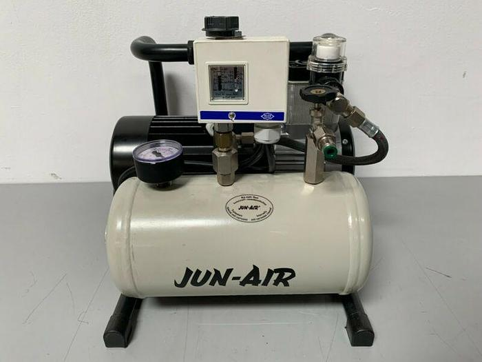 Used Jun-Air V-600 Oil-Less Vacuum Pump 1PH/110-115V