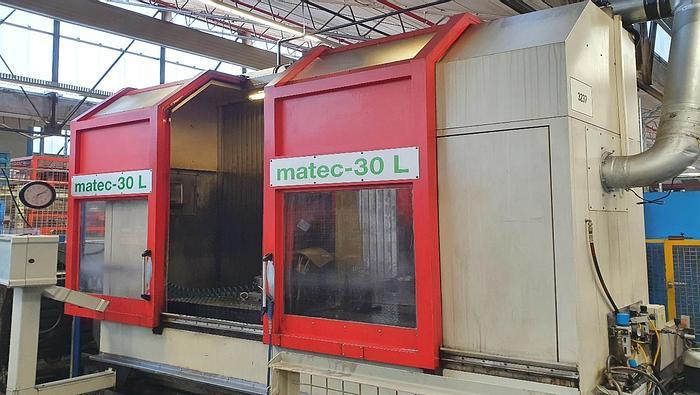 Gebraucht 1999 Matec  30L, vertikales Bearbeitungszentrum für 4 Achsen