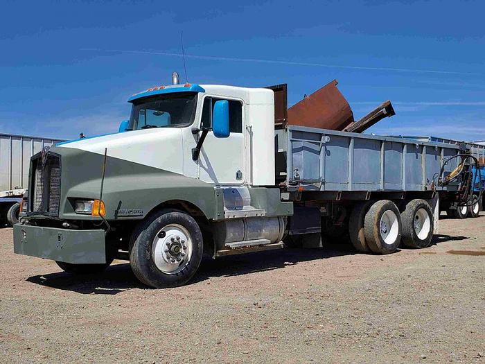 Used Kenworth T600 Silage / Manure Truck w/ Ross Bed