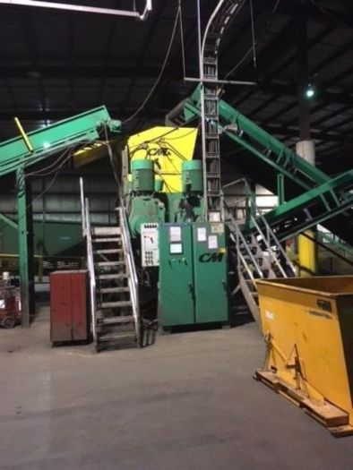 2011 Columbus McKinnon CM Rubber Tire shredder