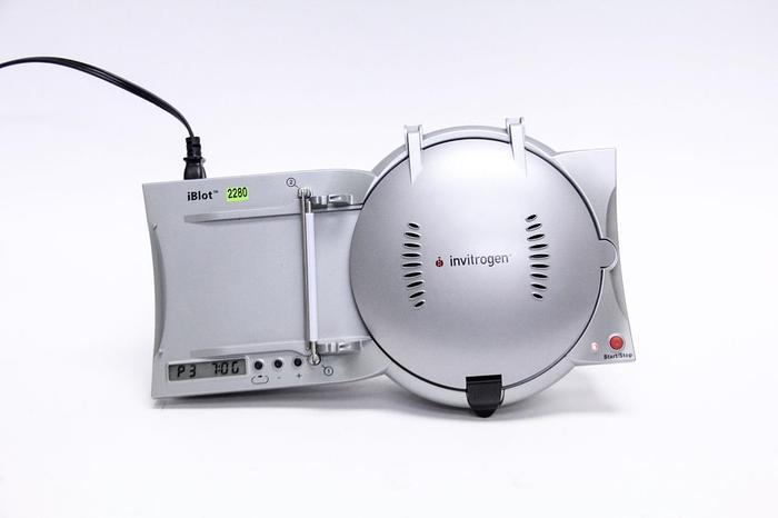 Used Ethrog Biotechnologies Invitrogen iBlot Dry Blotter Gel Transfer System (2280A)