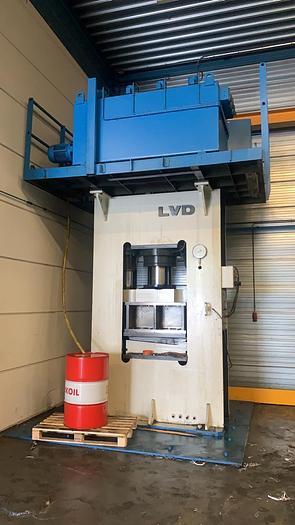 Gebruikt LVD EM 400