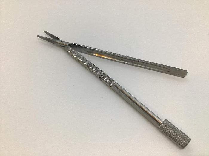 Troutman Razor Blade Fragment Holder 120mm