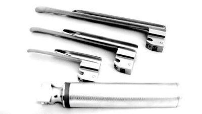Laryngoscope Set Fibre Optic Magill with 3 Blades (Size 1,2,3) in Case