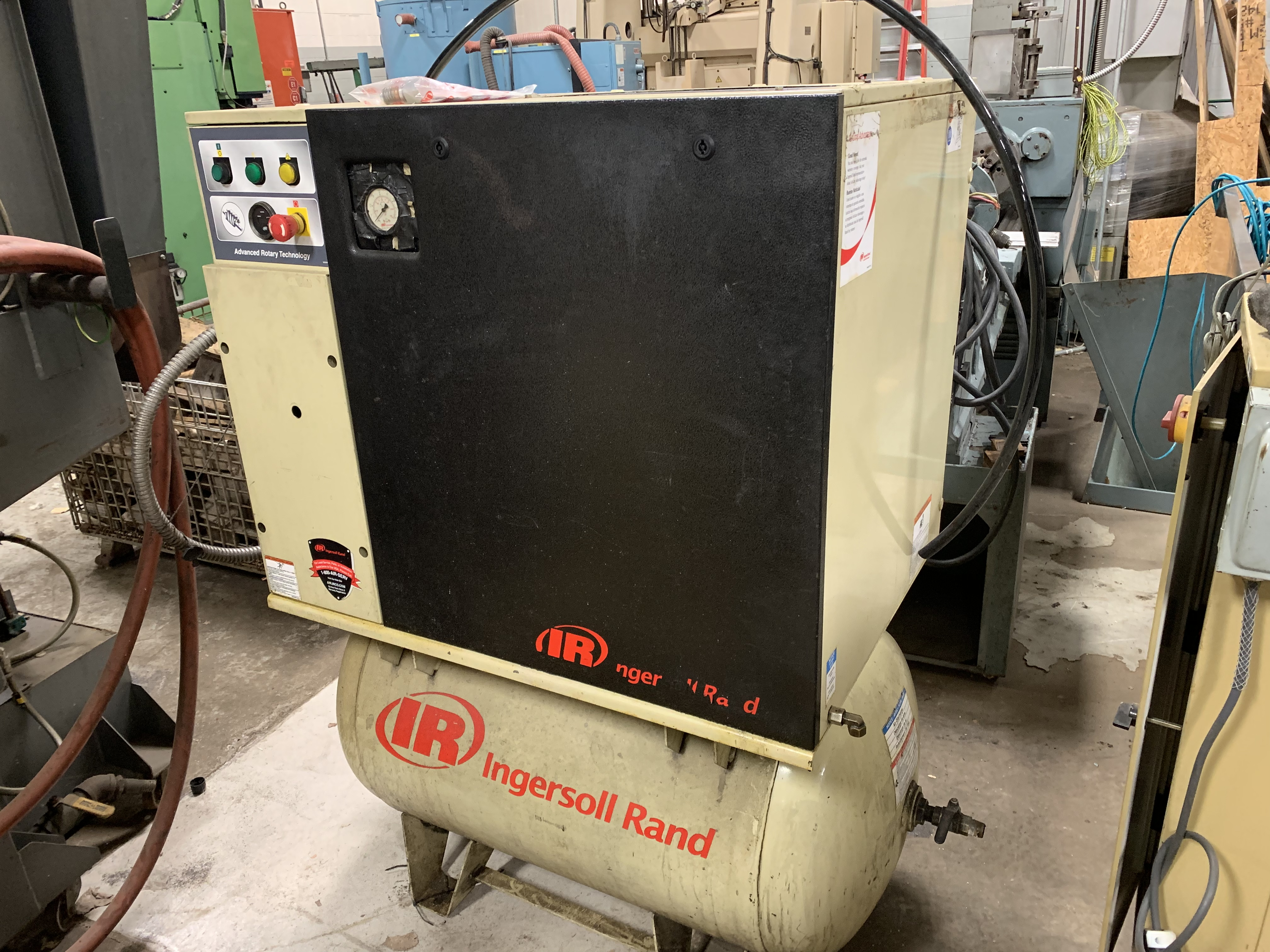 INGERSOL RAND UP6-10-150 10HP SCREW COMPRESSOR TANK MOUNTED