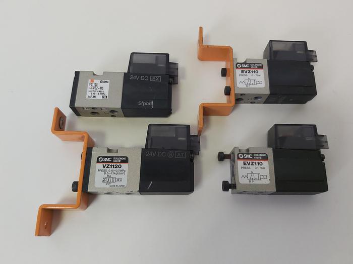 Gebraucht 4 Stück Pneumatik Magnetventil, 2x VZ1120 + 2 x EVZ110, SMC gebraucht