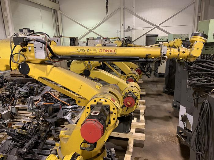 Used FANUC S500iB 15KG X 2757MM REACH 6 AXIS CNC ROBOT