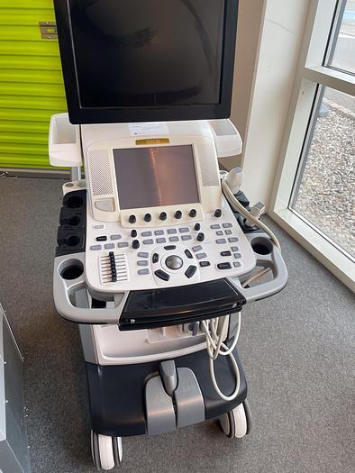 Used 2010 GE Vivid E9