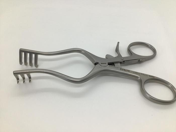 Refurbished Retractor Self Retaining Weitlander 3 by 4 Teeth Semi Sharp 130mm (5-1/8in) AESCULAP BV067R