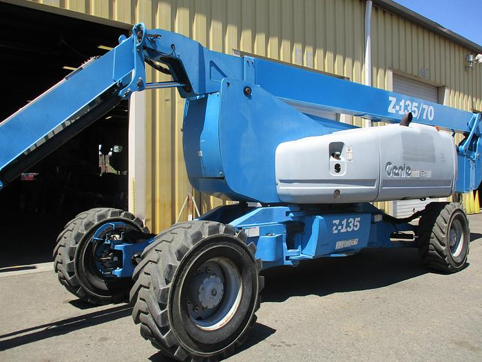 Used 2009 GENIE Z-135/70 4WD Diesel Articulating Boom
