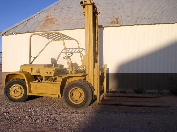 Used 20,000 lb. Yale Forklift; Pneumatic Tires; V-8 Gas/Propane Engine