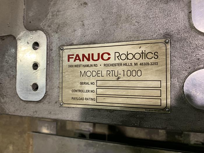FANUC MODEL RTU-1000 7TH AXIS ROBOT FLOOR MOUNTED TRACK