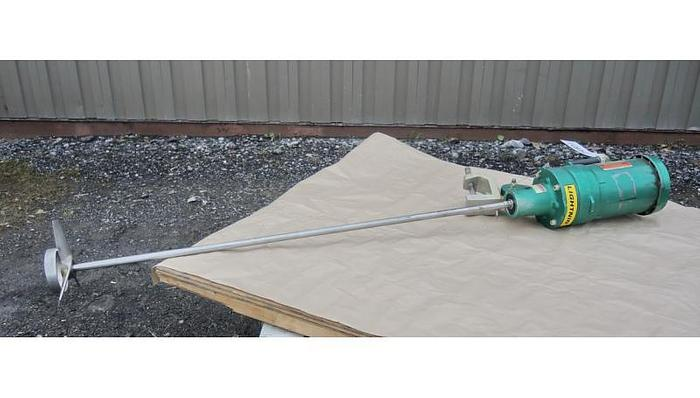 USED LIGHTNIN CLAMP-ON MIXER, MODEL EV5P33, 0.33 HP