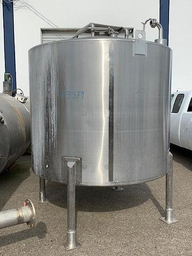 Highland Equipment 1,400 Gallon Stainless Steel Vertical Agitated Mixing Tank