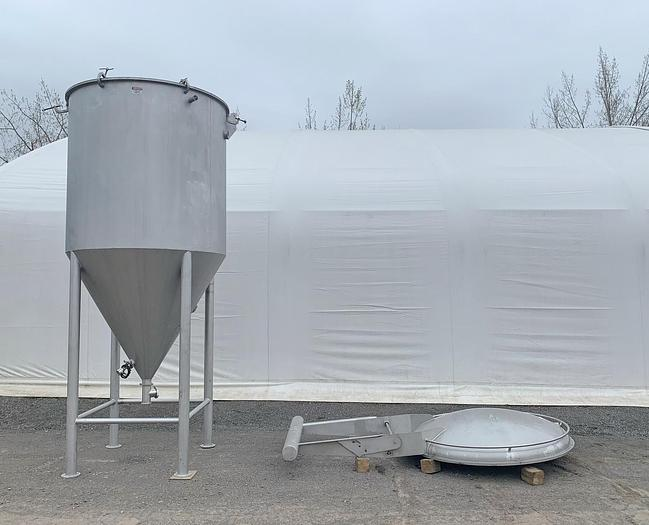 Used USED 1750 GALLON TANK, STAINLESS STEEL