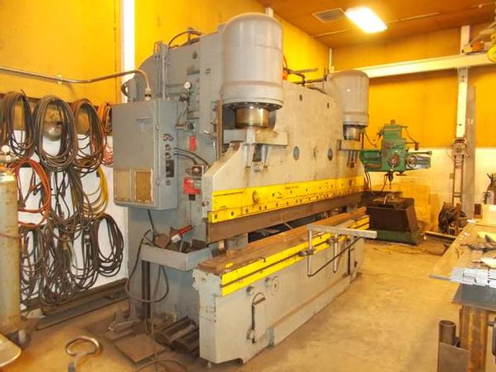 1961 Pacific Hydraulic 300 Ton Press Brake