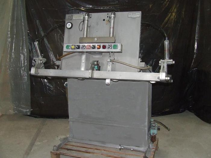 Używane Maszyna do próżniowego pakowania surowca z możliwością dogazowania w worki foliowe m.in. produktów w zalewach płynnych. CVP SYSTEMS INC. USA - FRESH VAC®MODEL A 200